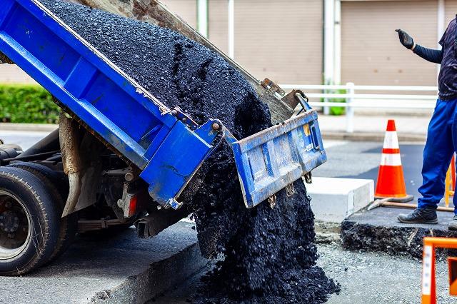 アスファルト合材 納品 道 長崎県 アスファルトの管理 運搬 有限会社ヤマダ